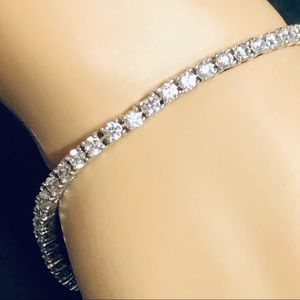 Beautiful tennis bracelet